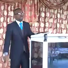 "African Guy Answers His Phone During Pastor's Anointment! ""I'm Under Serious Anointment, I Will Call You"""