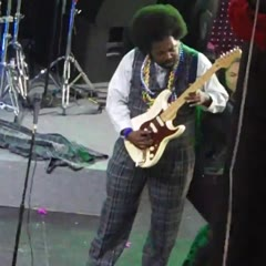 Afroman Punches girl on stage